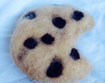 Felted fake food - cookie and a slice of pizza