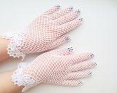 White irish lace gloves,bridal accessories,crochet jewelry,elegant evening gloves,romantic wedding gloves,vintage lace,first communion glove
