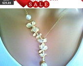 Orchids wedding Necklace, Orchid Pendant,Statement Necklace,Bib, Beadwork Necklace,Lariat Necklace,Bridemaids Bridal Wedding Christmas Gift
