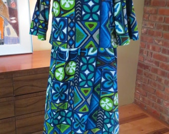"vtg Hawaiian Bark Cloth Dress (skirt &  top) Open Key hole button sleeves. 35"" bust"