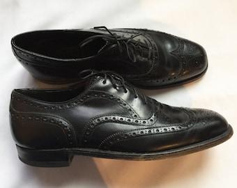 Vintage Men's Shoes Black Wingtip Brogues, Size 8 Mid-Century Excellent