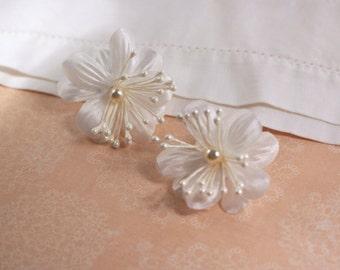 Avon white Fabric Blossom Pierced Earrings - Vintage 1989