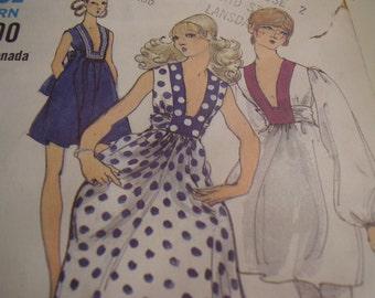 Vintage 1970's Vogue 7828 Dress Sewing Pattern, Size 10, Bust 32 1/2