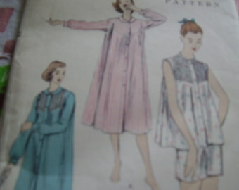 Vintage 1950's Vogue 8773 Gown and Pyjamas Sewing Pattern, Size Small Bust 30-32