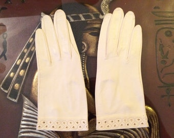 1950s Vintage Classique Made in Italy White Washable Leather Gloves (Ladies' Size BB - MIB) - Winter Weddings