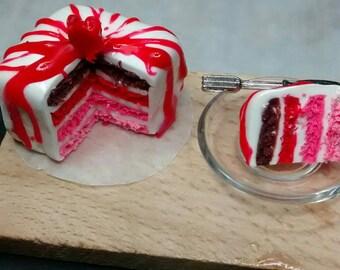 dollhouse - miniature- cake