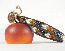 Single wrap bracelet, Super duo bead bracelet, Rust and gray bracelet, Chevron design, Copper button, CarolMade Sw78