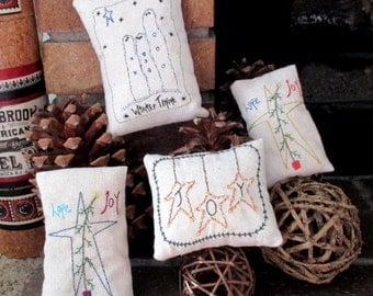4 Primitive Pillows Embroidered Home Decor Bowl Fillers