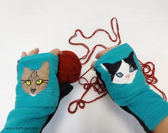 Cat Lover Gift. Custom TWO Cats Fingerless Gloves with Pockets