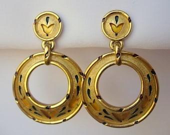 Crown Trifari L'Orient Rare 1968 Clip On Vintage Hoop Dangle Earrings Tulip Cut Out Design Oriental Lantern Pattern Enamel Gold Tone Metal