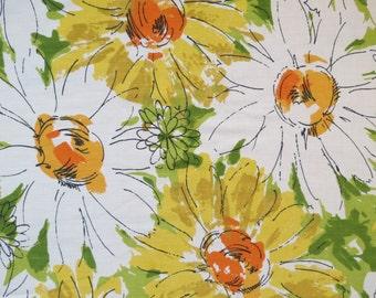 Vintage Sheet Fabric Fat Quarter - Large Yellow White Daisies