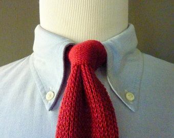 STYLISH Vintage 100% Cotton Bright Red SKINNY Knit Knitted Woven Trad / Ivy League Neck Tie.  Made in USA.