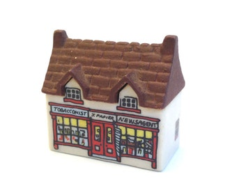 Whimsey on Why: Tobacconist Shop 1980-81 - Wade - Wade Pottery - Wade House - Wade Figurines - Wade Shop - Wade Collectables - Wade Village