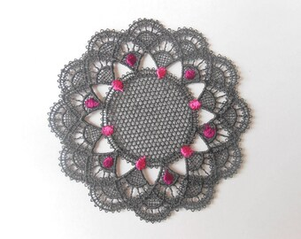 Black and pink lace rosette of 7,9 cms