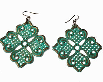 Boho earrings -Turquoise enamel coated Metal - Dangle