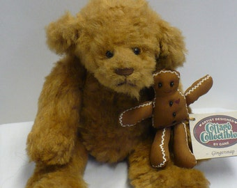 Gantz Gingersnap Bear ... Cottage Collectibles ... 1990 ... 12 Inch ... Movable Arms, Legs and Head ... with Gingerbread Boy