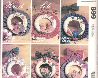 "Vintage 1980's McCall's 899 12"" Seasonal Wreaths Sewing Pattern UNCUT"