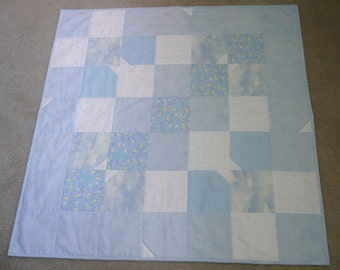 Baby boy quilt. Light blue and white baby quilt. Baby boy comforter. Boy crib bedding. Boys nursery bedding. Crib quilt.