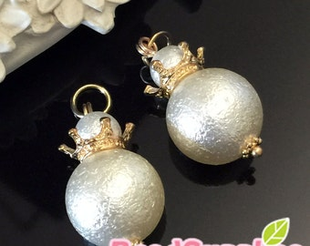 CH-ME-02337- Snowman cotton pearls charm with crown, 2 pcs