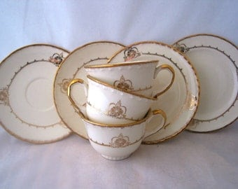 Crooksville Four Gold Flowers Set with Gold Verge and Scalloped Edge Vintage 1930s 7 Piece Set