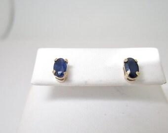 14k Solid Gold .50 ctw NATURAL Blue SAPPHIRE Pierced EARRINGS e113