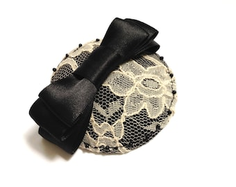 Head piece fascinator pin up black dots