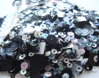 Pack of Mono Colours Mixed Sequins 10g Pack Black and White Sequins BD2