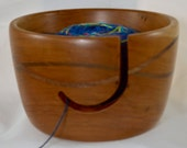 843 Yarn bowl, made from Cherry, with a double wave of Walnut