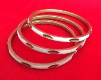 Set of 3 Brass Bangle Bracelets. Mother of Pearl Bracelets. Bangles Metal Bracelets. Vintage Jewelry
