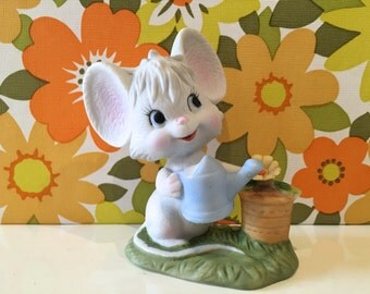 Vintage Kitsch Mouse Figurine