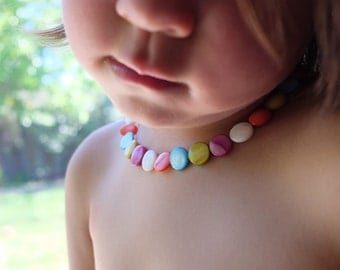 Baby necklace,toddler necklace,girl gift,baby necklace,beaded child necklace,photo prop,little girl necklace,rainbow beaded necklace