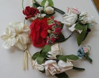Vtg Millinery Flower Clusters