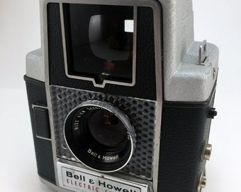 Bell & Howell Electric Eye 127 film camera