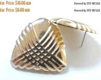 Sizzlin Summer Sale Gold tone Textured Post Earrings