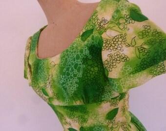 Hawaiian Maxi Dress 70's Bark Cloth Green and Yellow Tropical Floral Print Boho Hippie Style Long Summer Dress Ruffle Hem Size S
