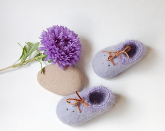 Newborn gift - Wool first booties - Baby felted shoes -  Pastel lilac booties with crochet mohair border -  woolen booties - 1US 16EU