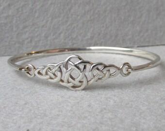 Celtic Knot Designer Signed KIT HEATH Sterling Silver Front Latch Vintage Bangle Bracelet