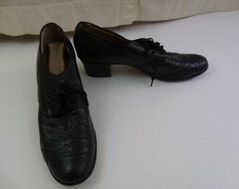 Vintage 30s 40s Black Leather Women's Eyelet Shoes Sz 7.5