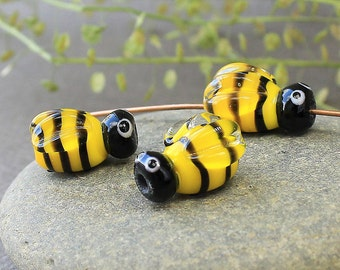 Lampwork Glass Bees Beads, Set of 2 Glass Yellow Bees Beads, Handmade Glass Lampwork Bees Beads, Insect Beads, Honey Bee Beads, Bees Beads