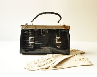 Vintage Small Black Leather Lady's Gladstone Bag - Doctor Bag Style