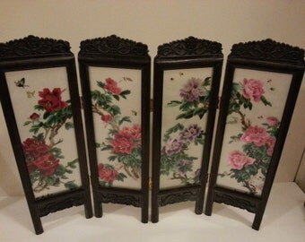 Vintage Asian Miniature Privacy Room Screen with Case