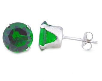 14Kt White Gold Emerald Round Stud Earrings