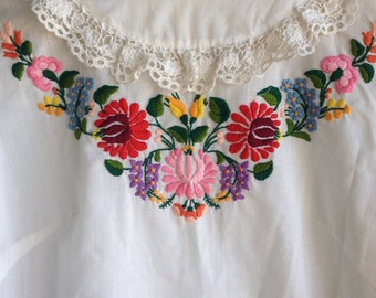 Vintage Floral  Embroidered Hungarian Hand Made -  Peasant Blouse Hand Embroidered Lace Trimmed  Top