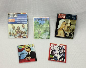"""Dollhouse Miniature Set of Magazines in 1"""" Scale (PT)"""