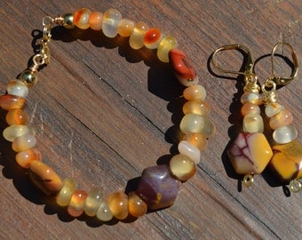 Fire Agate and Mookaite Jasper Beaded Bracelet and Earrings