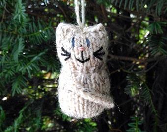 Calico Kitten Ornament, Handmade Knit, Hanging Decoration, Christmas Tree Trim, Rustic Decor, All Year Decoration