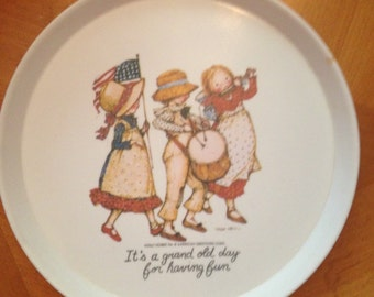 "Holly Hobbie vintage ""Its a Grand Old Day for Having Fun"" Plate"