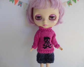 "Hand Knit Wool Blythe 12"" Doll Jumper in Pink with Black Skull and Crossbones Halloween Winter Wear"