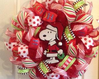 Snoopy Christmas Wreath/ Christmas Wreath/ Christmas Mesh Wreath/ Mesh Wreath/ Snoopy Collector's Item/ Snoopy