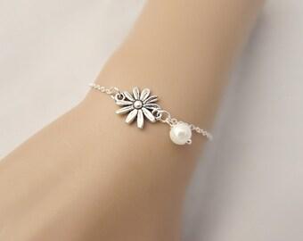 Daisy Bracelet, Flower Bracelet, Bridesmaid Gifts, Pearl Bracelet, Daisy Jewelry, British Seller UK, Gift for Girls, Silver Bracelet, BFF